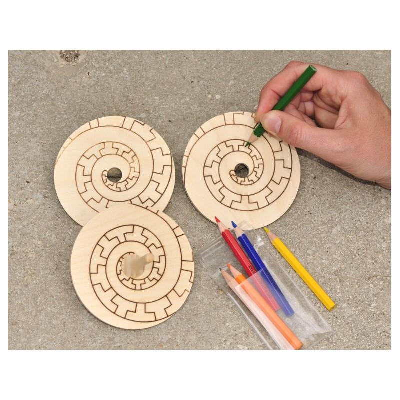 3 toupies en bois à colorier pour de magnifiques effets d  ~ Toupies En Bois