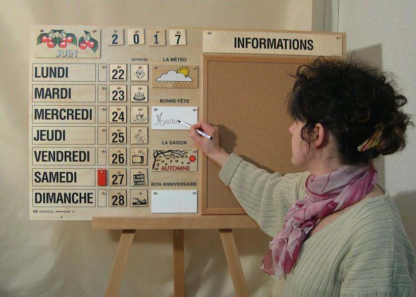 Connu Magnifique calendrier perpétuel tout en bois. Fabrication  BK72