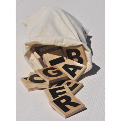 Sac 77 lettres bois 5x5 cm