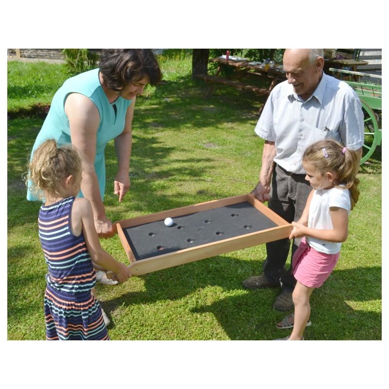 jeu original en bois il faut viser les trous en tenant le plateau jeu d 39 ext rieur ou d 39 int rieur. Black Bedroom Furniture Sets. Home Design Ideas