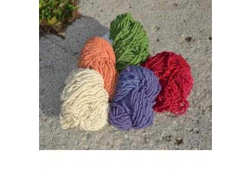 Lot de 5 pelotes de laine brute