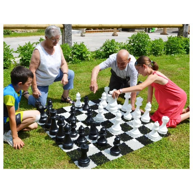 Pions d'échecs géants