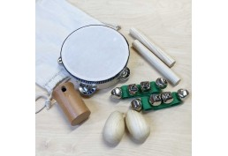 Lot de 8 instruments de musique en bois