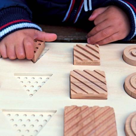 Encastr' tactile en bois