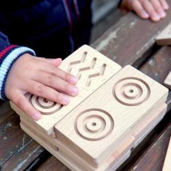 Grands Dominos tactiles (12 cm) en bois